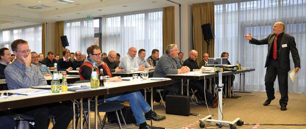 """90 Bauleiter waren nach Köln gekommen, um auf den Kölner Bauleitertagen zum Thema """"Nachträge – Mängel – Toleranzen"""" auf den neusten Stand zu bringen."""